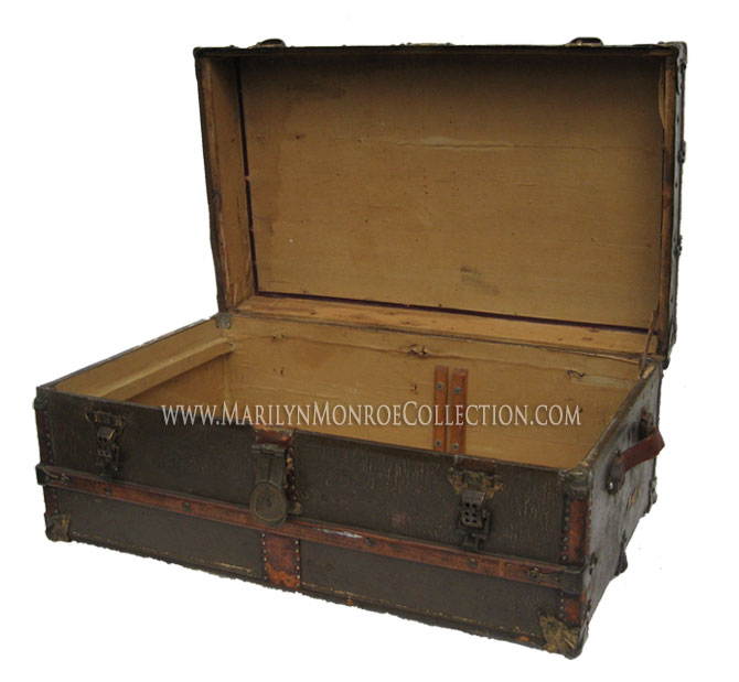 Marilyn-Monroe-Owned-Travel-Trunk-2