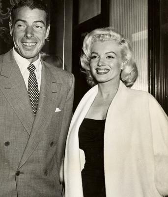 Marilyn-Monroe-White-Fox-Furs-10