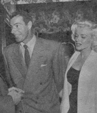 Marilyn-Monroe-White-Fox-Furs-11