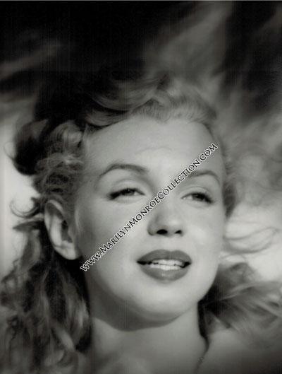 Marilyn-Monroe-Andre-DeDienes-1
