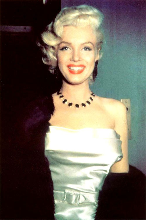 The Personal Property Of Marilyn Monroe A Necklace The