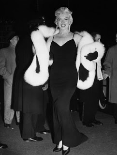 Marilyn at The Rose Tattoo premiere.