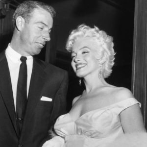 Marilyn-Monroe-Earrings-Seven-Year-Itch-Premiere-5