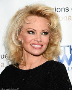 Pam-Anderson-Marilyn-Monroe-3