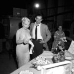 marilyn-monroe-1960-birthday-party-lets-make-love-3
