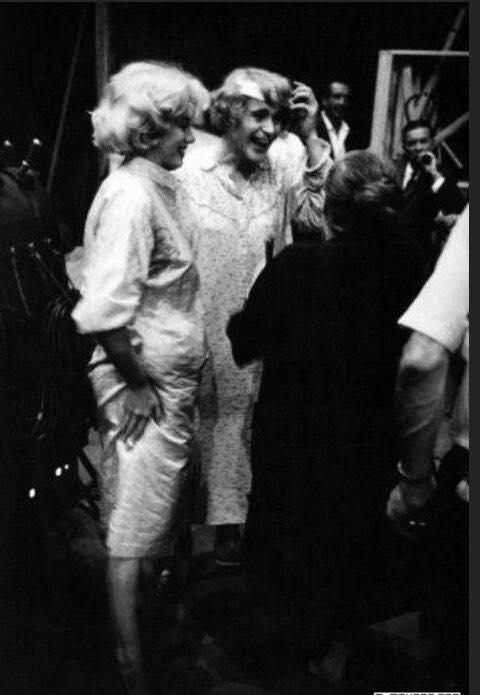 Marilyn-Monroe-Pregnant-1958-3