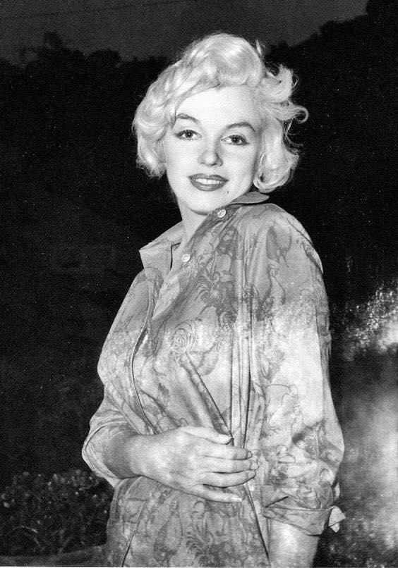 Marilyn-Monroe-Pregnant-1958-4