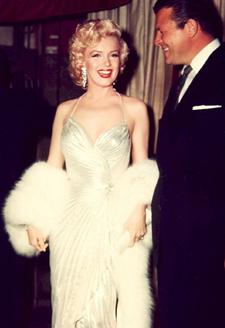 Marilyn wearing her white fox muff.