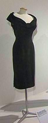 Marilyn-Monroe-Cocktail-Dress-Prague-1