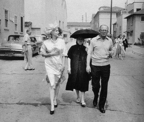 Marilyn-Monroe-Pregnant-1958-2