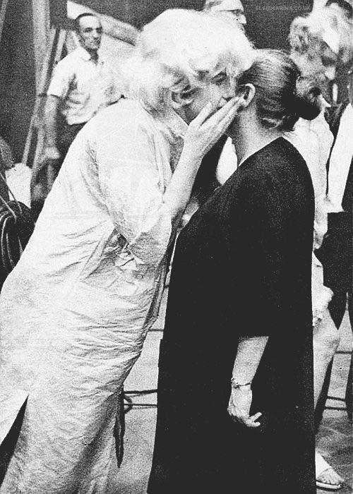 Marilyn-Monroe-Pregnant-1958